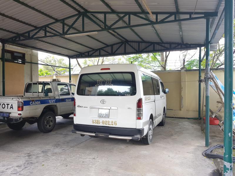 Thông tin bất ngờ vụ thanh niên nghi ngáo đá trộm ô tô khách - Ảnh 1