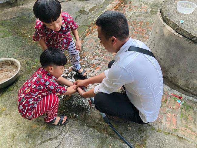 MC Hoàng Linh bất ngờ đăng ảnh chụp cùng chồng sắp cưới nhưng điều này mới được dân mạng chú ý hơn cả - Ảnh 4