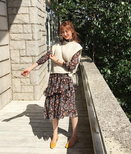 5 kiểu mặc layer với áo len để nàng công sở vừa ấm vừa xinh - Ảnh 6