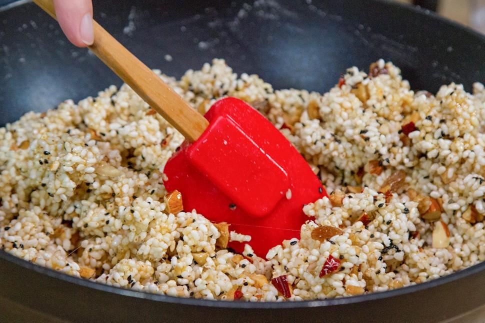 Trổ tài làm ngay món ăn vặt cực đơn giản không phải mua ở siêu thị đắt đỏ - Ảnh 5
