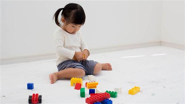 Hậu quả khôn lường từ tư thế ngồi vô cùng phổ biến ở trẻ nhỏ - Ảnh 2