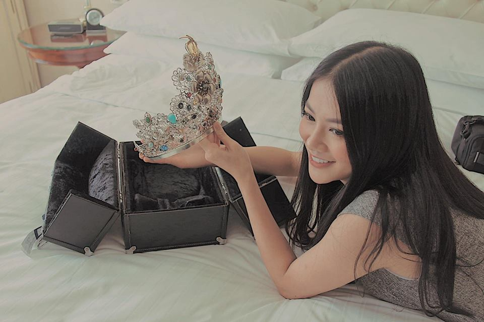 Hoa hậu Phương Khánh lần đầu khoe cận vương miện 22 tỷ giữa ồn ào bị tố mua giải - Ảnh 2