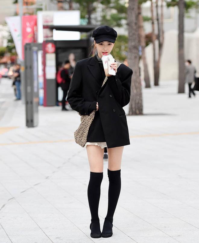Street style giới trẻ Hàn tuần qua: nữ tính, cá tính, chất chơi 'chiêu' nào cũng có và đều đẹp ngất ngây - Ảnh 3