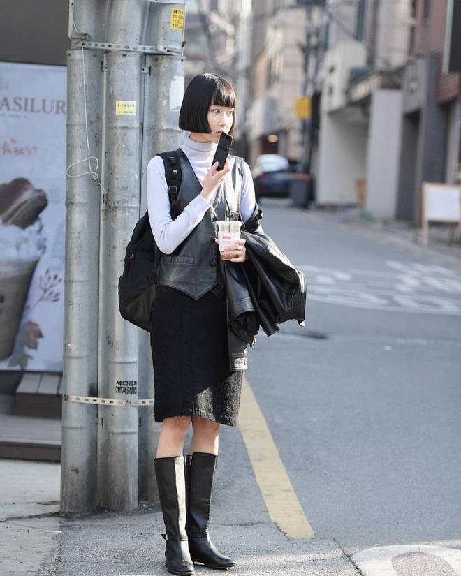Street style giới trẻ Hàn tuần qua: nữ tính, cá tính, chất chơi 'chiêu' nào cũng có và đều đẹp ngất ngây - Ảnh 7