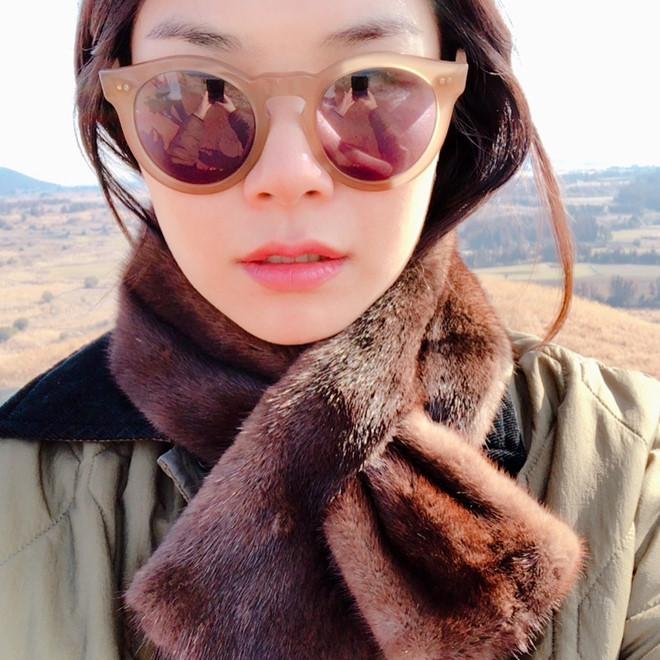 Bạn thân Song Hye Kyo bị chê xấu, ném đá sau tin cặp kè Song Joong Ki - Ảnh 4