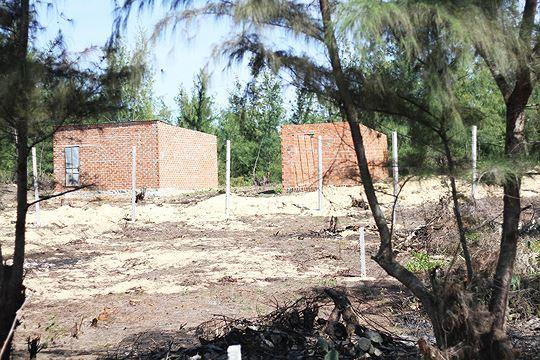 Cưỡng chế tháo dỡ các công trình trái phép tại khu kinh tế Nhơn Hội - Ảnh 3