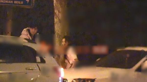 'Đông Hoa Đế Quân' – Cao Vỹ Quang bị phát hiện qua đêm cùng gái trẻ - Ảnh 7