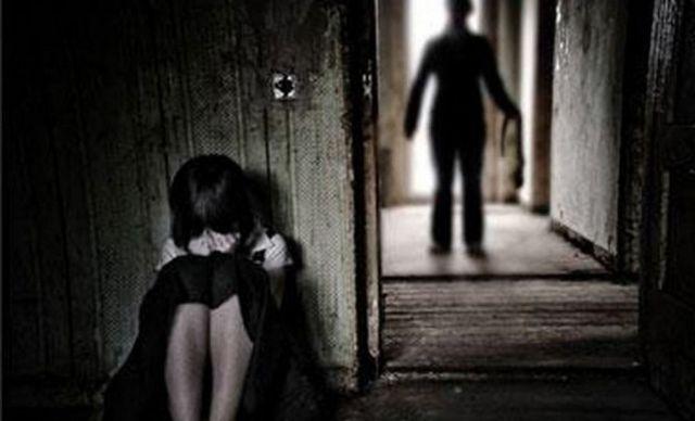 Bé gái 13 tuổi cầu cứu vì bị cha dượng xâm hại, cơ quan chức năng vào cuộc điều tra - Ảnh 1