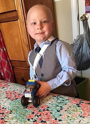 Con trai 5 tuổi bị gãy xương tay cũng là lúc sự thật kinh khủng được tiết lộ khiến bố mẹ đau đớn khôn nguôi - Ảnh 4