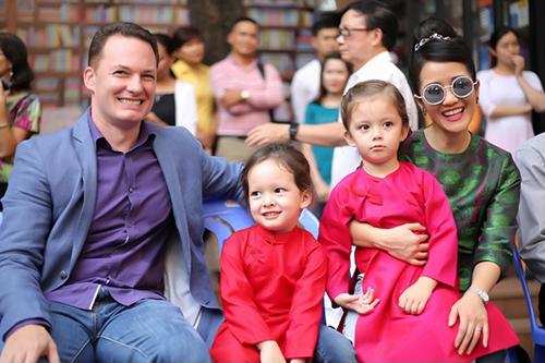 Sau hơn nửa năm ly hôn, chồng Tây của Hồng Nhung hạnh phúccưới vợ mới - Ảnh 1