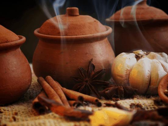 Mẹo sử dụng nồi đất cực bền, tốt cho sức khỏe mà nấu ăn lại ngon - Ảnh 1
