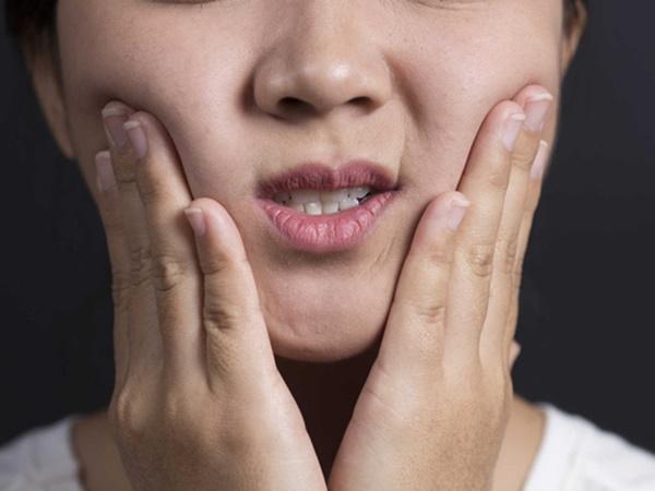 7 triệu chứng thường gặp của bệnh ung thư miệng mà nhiều người hay nhầm lẫn - Ảnh 5