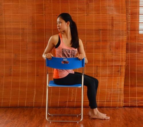 Bài tập yoga buổi sáng chỉ mất 2 phút này chính là bí quyết trẻ lâu của phụ nữ Nhật Bản - Ảnh 4