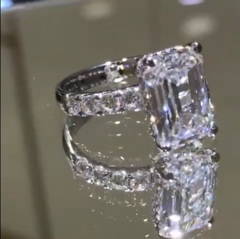 Chỉ với dòng trạng thái ngắn trên Facebook, vợ đại gia kim cương cao tay khoe tài sản 'siêu khủng' - Ảnh 5