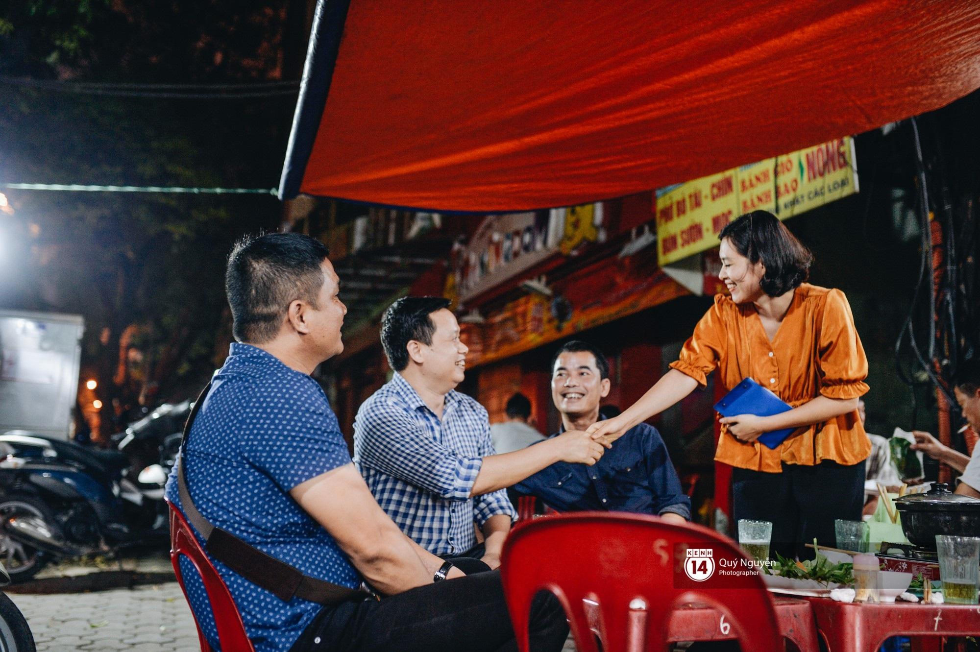 Cuộc sống hiện tại của Nguyệt trong Phía trước là bầu trời: Sáng đi dạy múa, tối về làm chủ quán bia - Ảnh 4