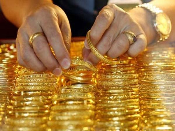 Giá vàng hôm nay 3/5: Vàng chao đảo trước ngưỡng nhạy cảm - Ảnh 1