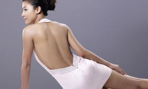Muốn sở hữu rãnh lưng đẹp ngay trong mùa hè, đừng bỏ qua 2 bài tập này để có lưng ong quyến rũ - Ảnh 1