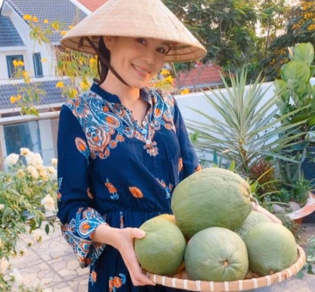 'Cực phẩm' vườn hồng: Con gái MC Quyền Linh khoe tóc dài thướt tha, góc nghiêng mỹ miều khiến dân tình mê đắm - Ảnh 3
