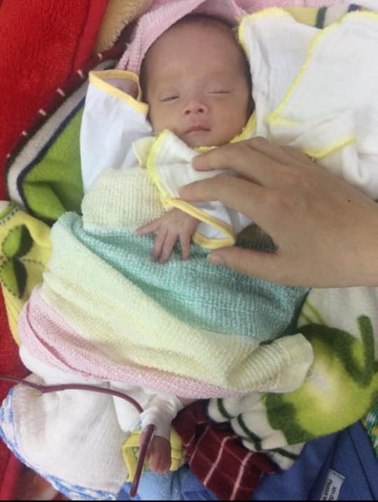 Nhật ký 1 năm nuôi con sinh non nặng 1.3kg, đi 'nghỉ dưỡng' ở viện nhiều hơn ở nhà của mẹ Nghệ An - Ảnh 3