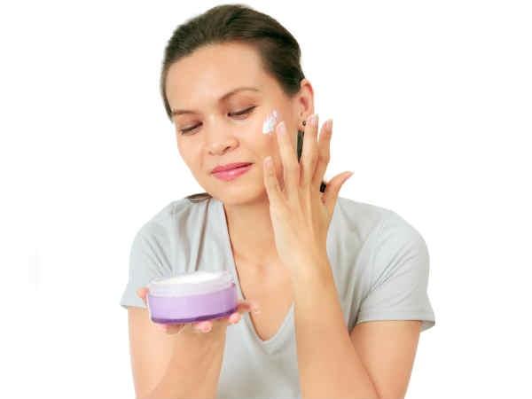 Những lỗi sử dụng kem dưỡng ẩm phản tác dụng, khiến da bạn lão hóa nhanh hơn - Ảnh 1