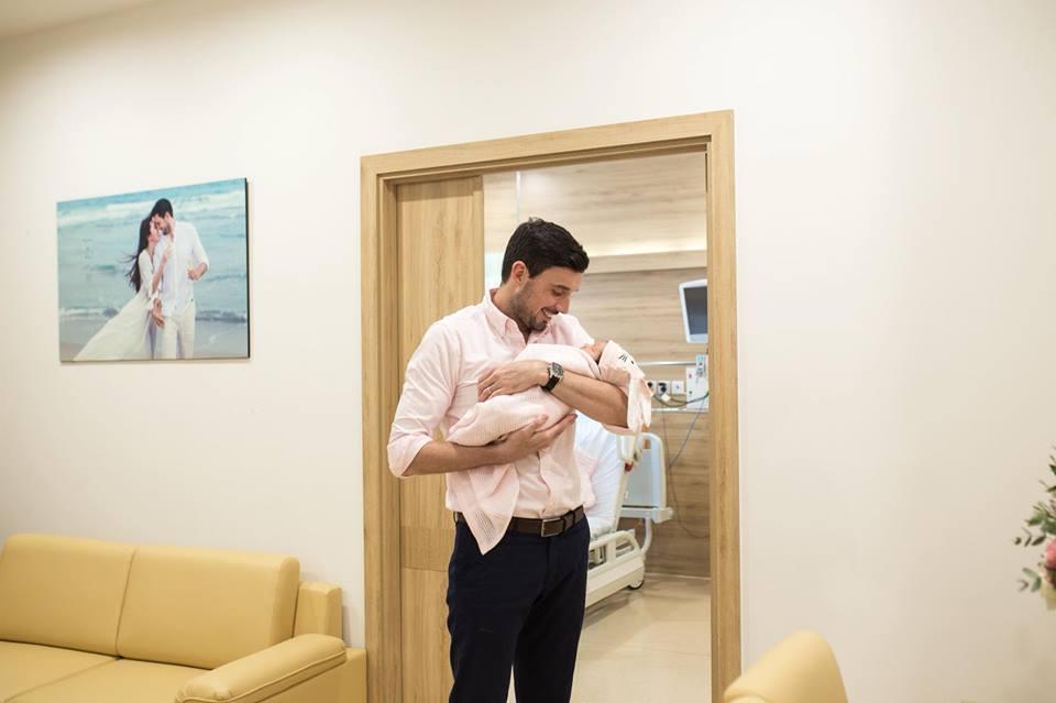 Đúng 1 tuần sau sinh, Hà Anh khoe ảnh con gái dễ thương tựa thiên thần - Ảnh 8