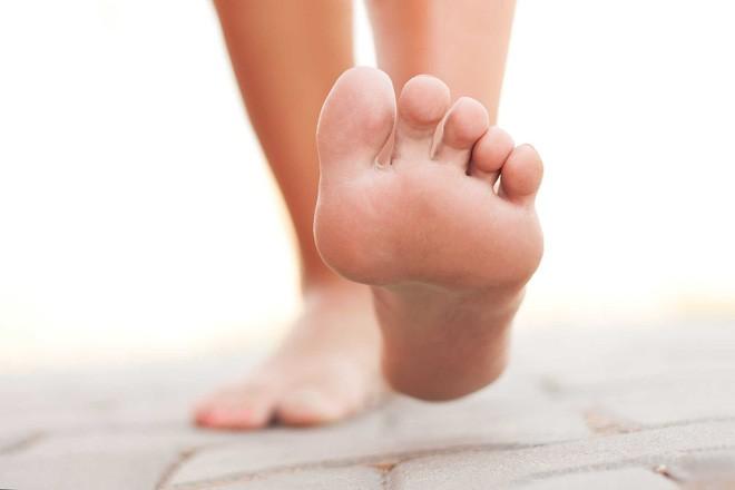 Nguyên nhân khiến ngón chân co rút thường xuyên và cách điều trị - Ảnh 3
