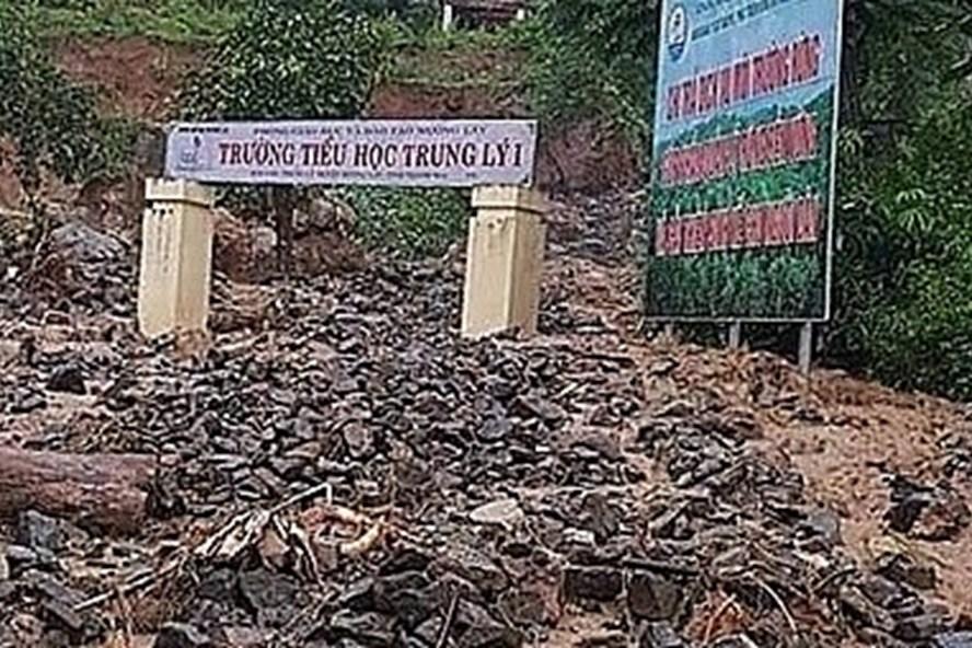 Mới nhất: Bão số 3 làm 1 người chết, hàng trăm nhà hư hại - Ảnh 1