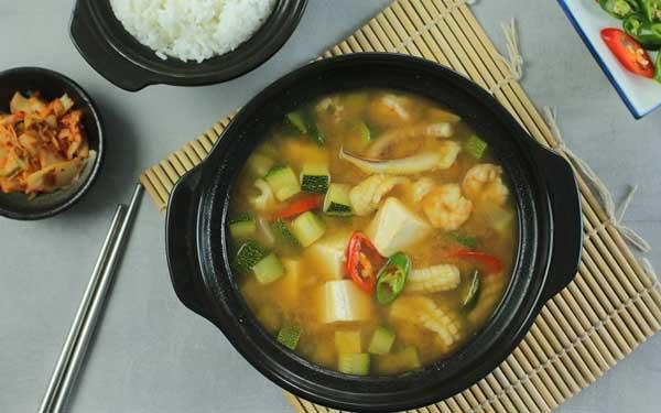 Cách nấu canh tương hải sản Hàn Quốc tại nhà - Ảnh 1