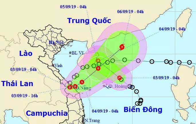 Áp thấp nhiệt đới vừa đổ bộ đất liền lại đổi hướng ngược ra Biển Đông - Ảnh 1