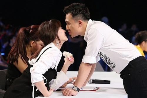 Trấn Thành 'mạnh tay' mua túi xách trăm triệu tặng Hari Won - Ảnh 1