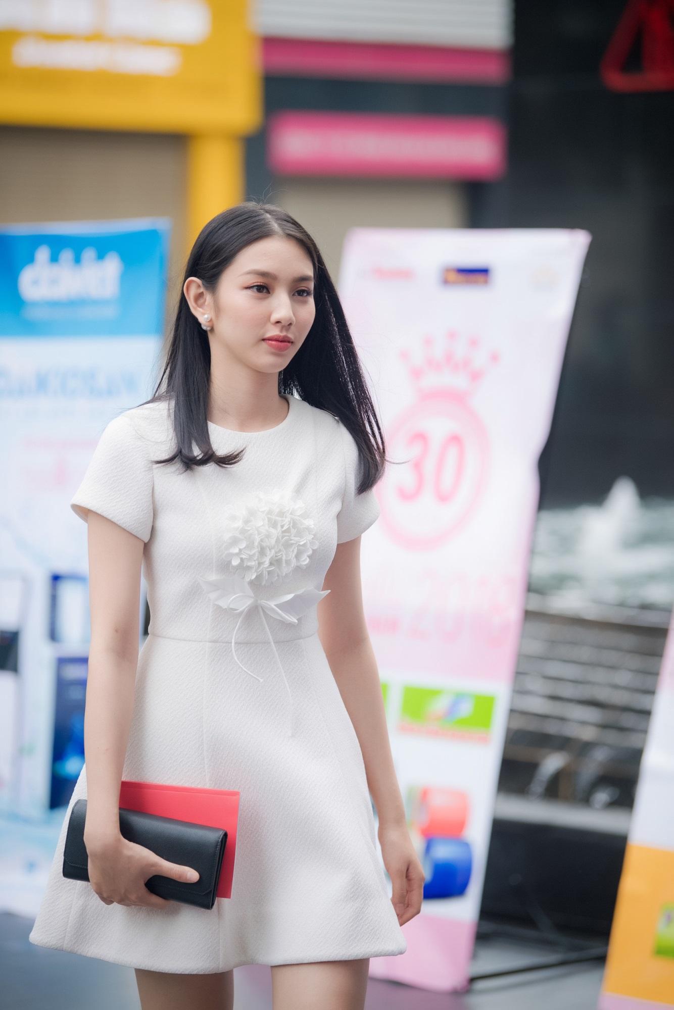 Á hậu Thúy An nhập viện, Thùy Tiên được chọn đi thi Hoa hậu Quốc tế - Ảnh 6