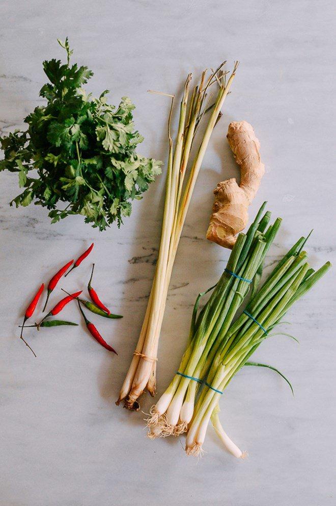 Mẹo trữ đông các loại rau gia vị tươi lâu, mở tủ lạnh ra là có, đỡ mất công mua - Ảnh 1