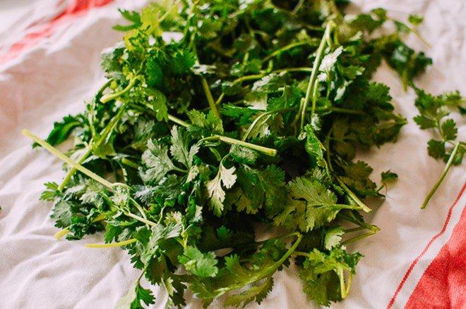 Mẹo trữ đông các loại rau gia vị tươi lâu, mở tủ lạnh ra là có, đỡ mất công mua - Ảnh 3