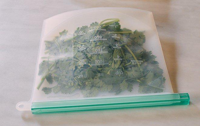 Mẹo trữ đông các loại rau gia vị tươi lâu, mở tủ lạnh ra là có, đỡ mất công mua - Ảnh 4