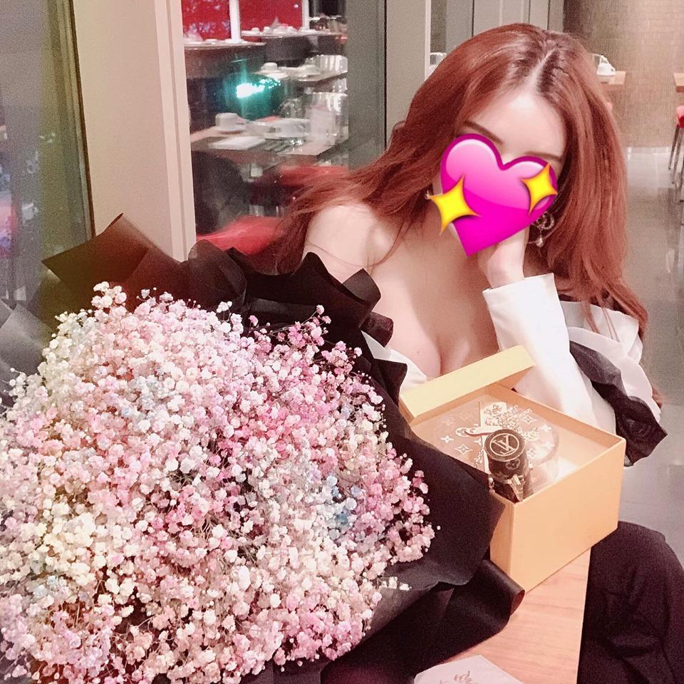 Vũ Hoàng Việt cưới hot girl nóng bỏng sau chia tay nữ tỷ phú U60 hơn 32 tuổi? - Ảnh 3