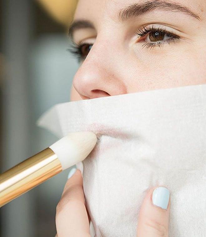 Dùng thìa che mắt và 6 mẹo giúp việc make up trở nên dễ dàng hơn - Ảnh 5