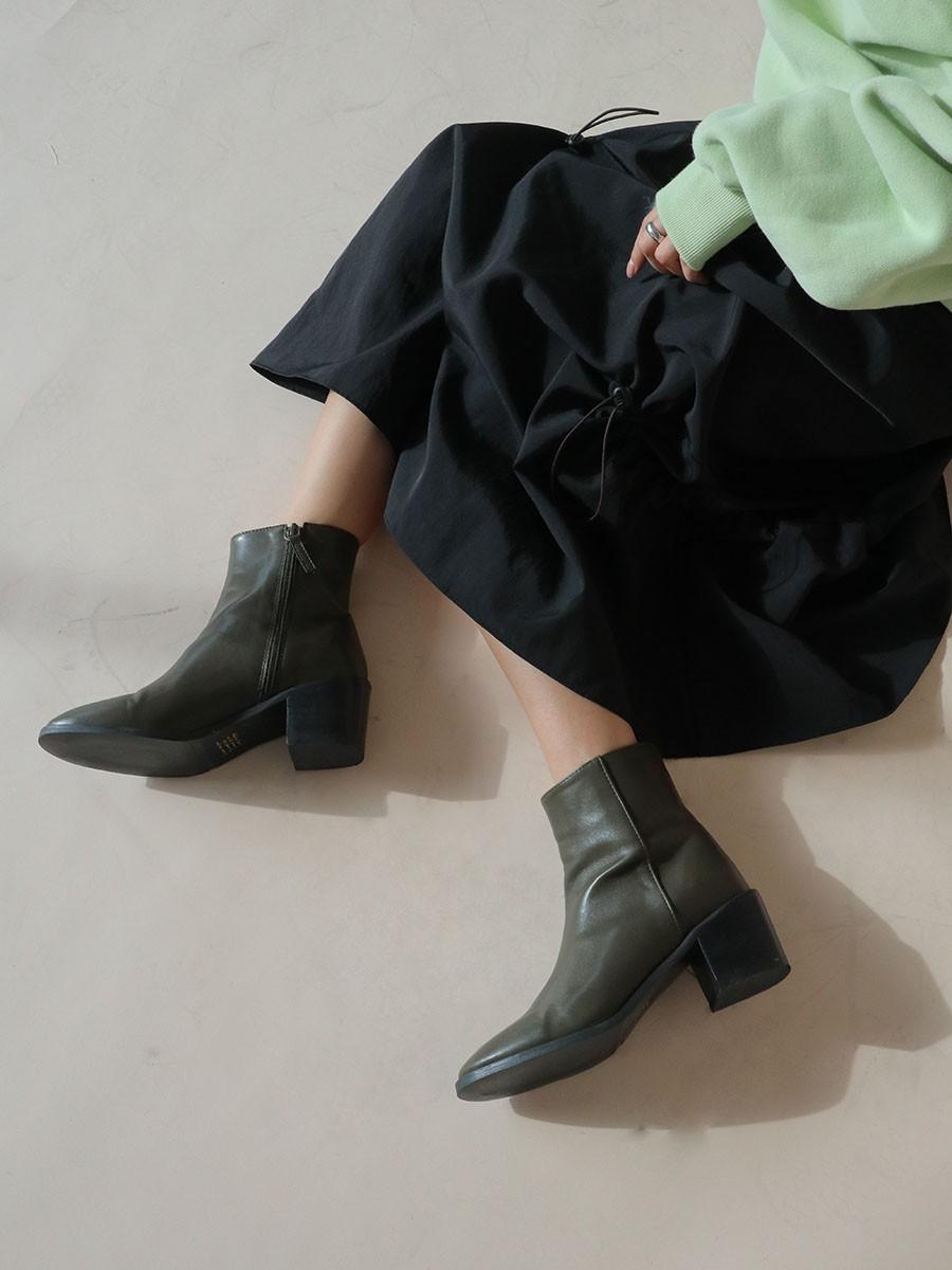 Muốn mặc đẹp không góc chết, chị em đừng sắm 4 đôi boots sau bởi kiểu thì lỗi mốt, kiểu trông đến là nhàm - Ảnh 3