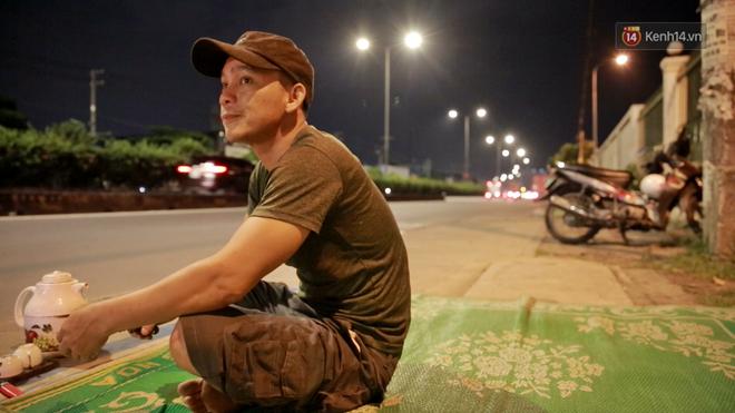 Cuộc sống 'màn trời chiếu đất' của những người hành nghề giác hơi ở Sài Gòn - Ảnh 10
