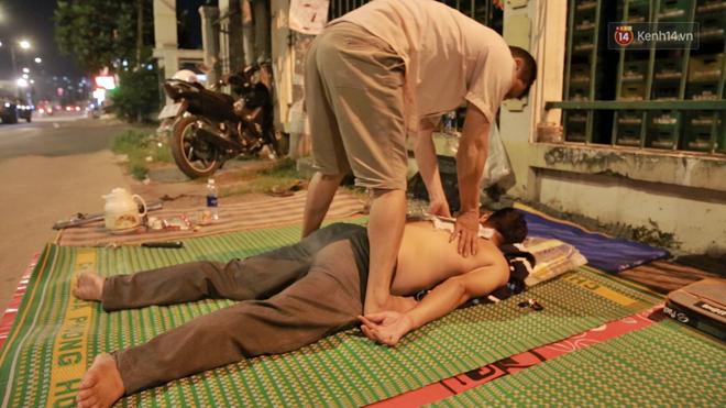 Cuộc sống 'màn trời chiếu đất' của những người hành nghề giác hơi ở Sài Gòn - Ảnh 5