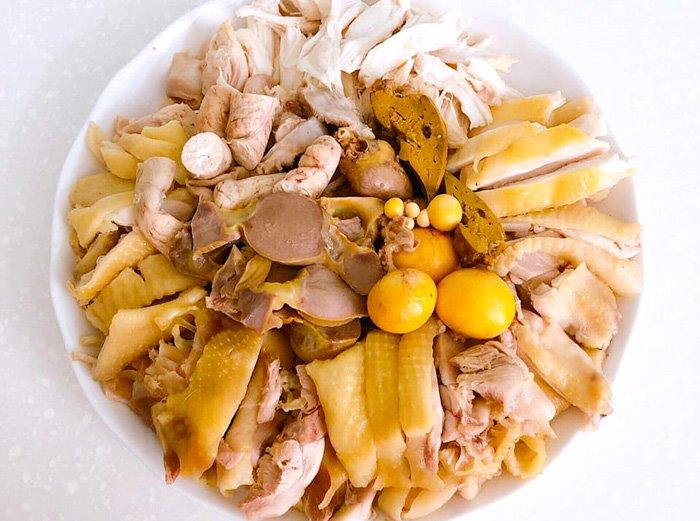 Bố thích ăn gà, con thèm ăn mọc, mẹ liền ra tay chiêu đãi món phở gà trộn tuyệt ngon - Ảnh 3