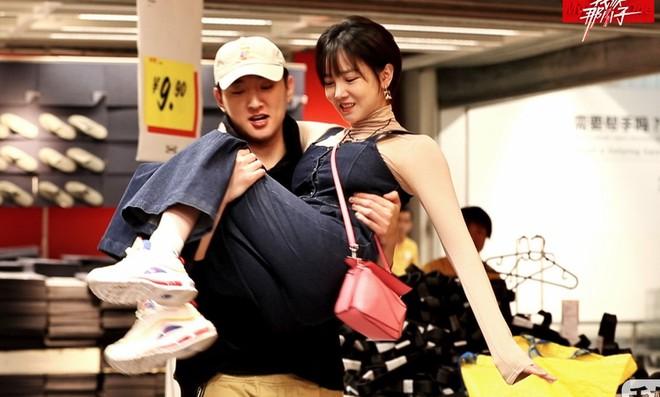 Tài tử 'Tân Hồng lâu mộng' tỏ tình với bạn gái trước hàng nghìn người - Ảnh 2