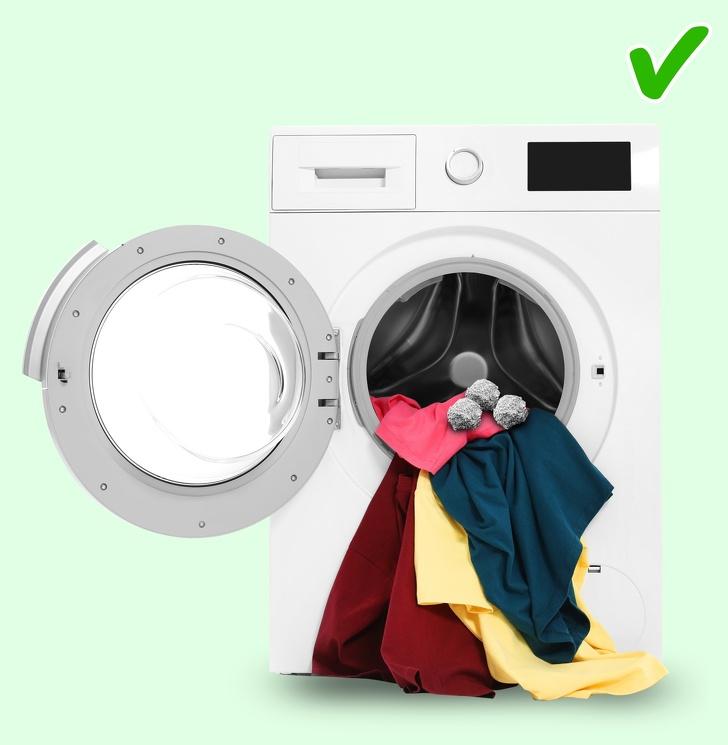 Là phụ nữ nhất định phải biết 12 mẹo giặt giũ này để quần áo luôn đẹp, bền màu như mới - Ảnh 8