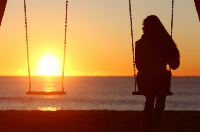 Có ai chưa từng yêu thầm một ai đó và một mình gặm nhấm nỗi cô đơn