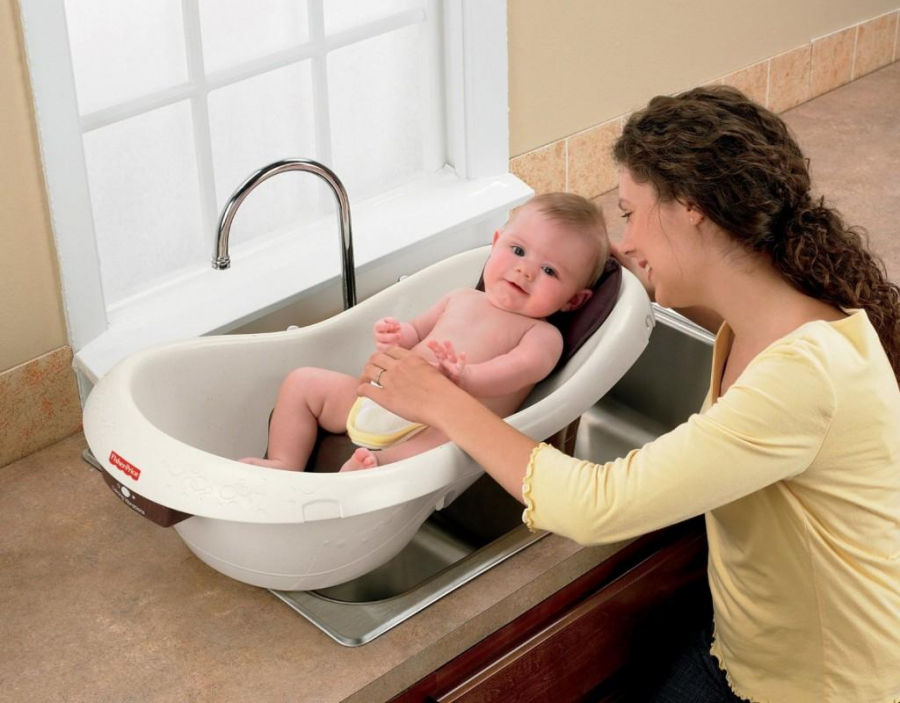 Bé gái bỏ mạng khi đang tắm: Tắm cho trẻ vào mùa đông hãy tránh xa 5 sai lầm tai hại này - Ảnh 2