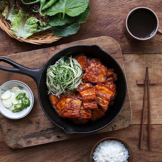 Học người Hàn cách làm món thịt áp chảo ngon ngất ngây ăn mùa lạnh hợp vô cùng - Ảnh 7