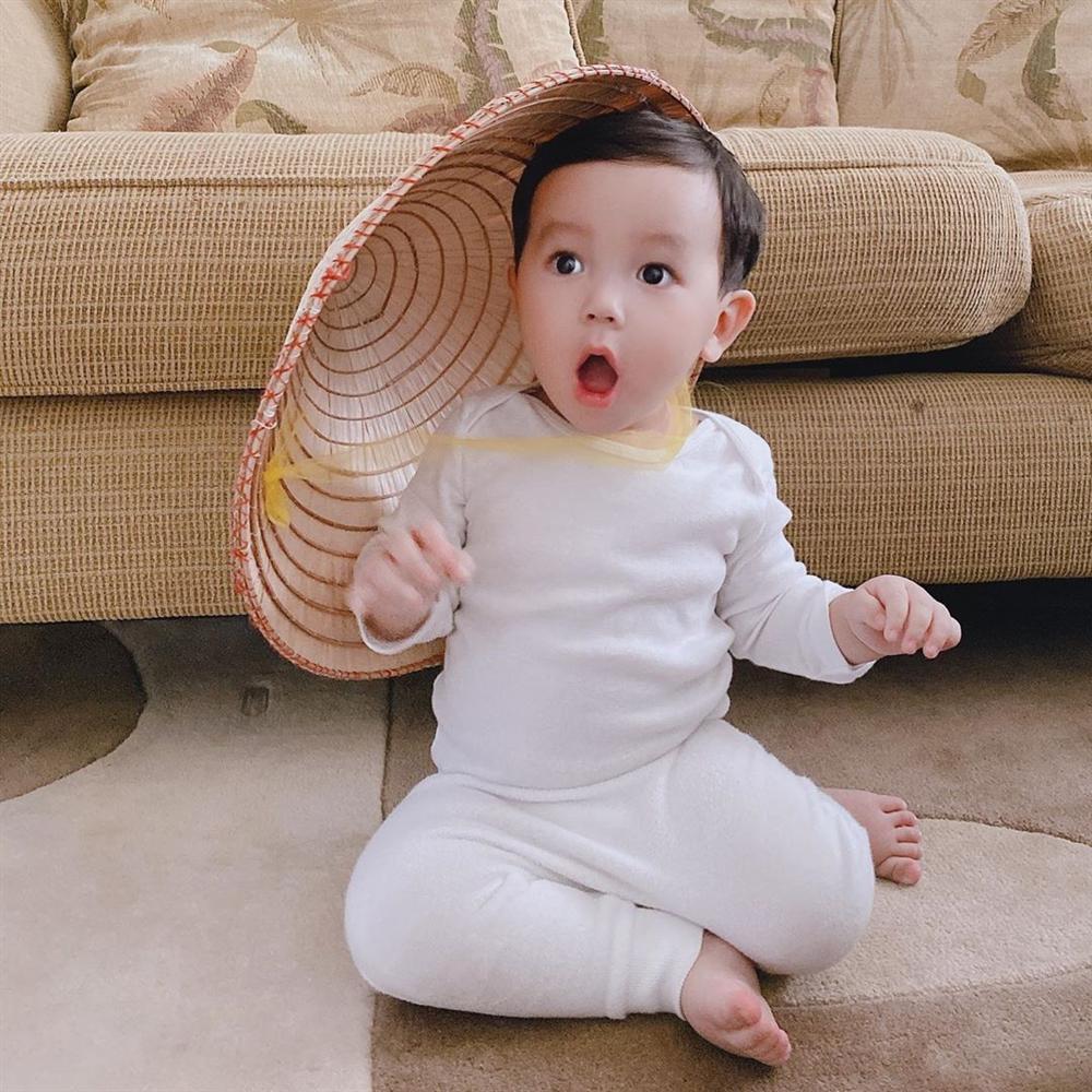 con trai pham huong 7