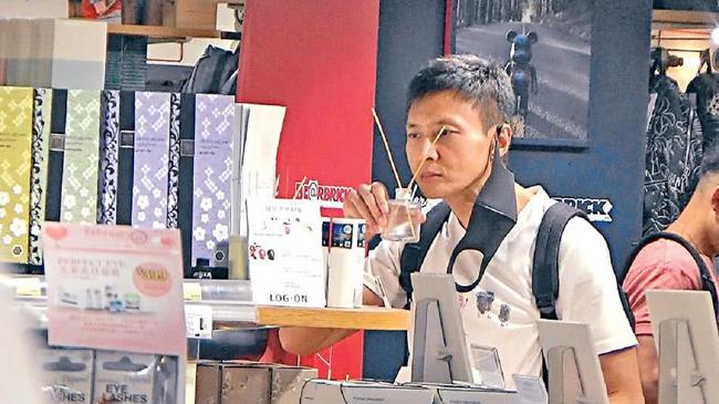 Châu Huệ Mẫn tuổi 51 không con, trụ cột kiếm tiền của gia đình - Ảnh 4