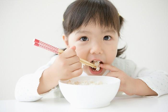 Mẹ thông minh thường cho con ăn món này buổi sáng, bé nhớ lâu như thần đồng lại nhanh cao lớn - Ảnh 1