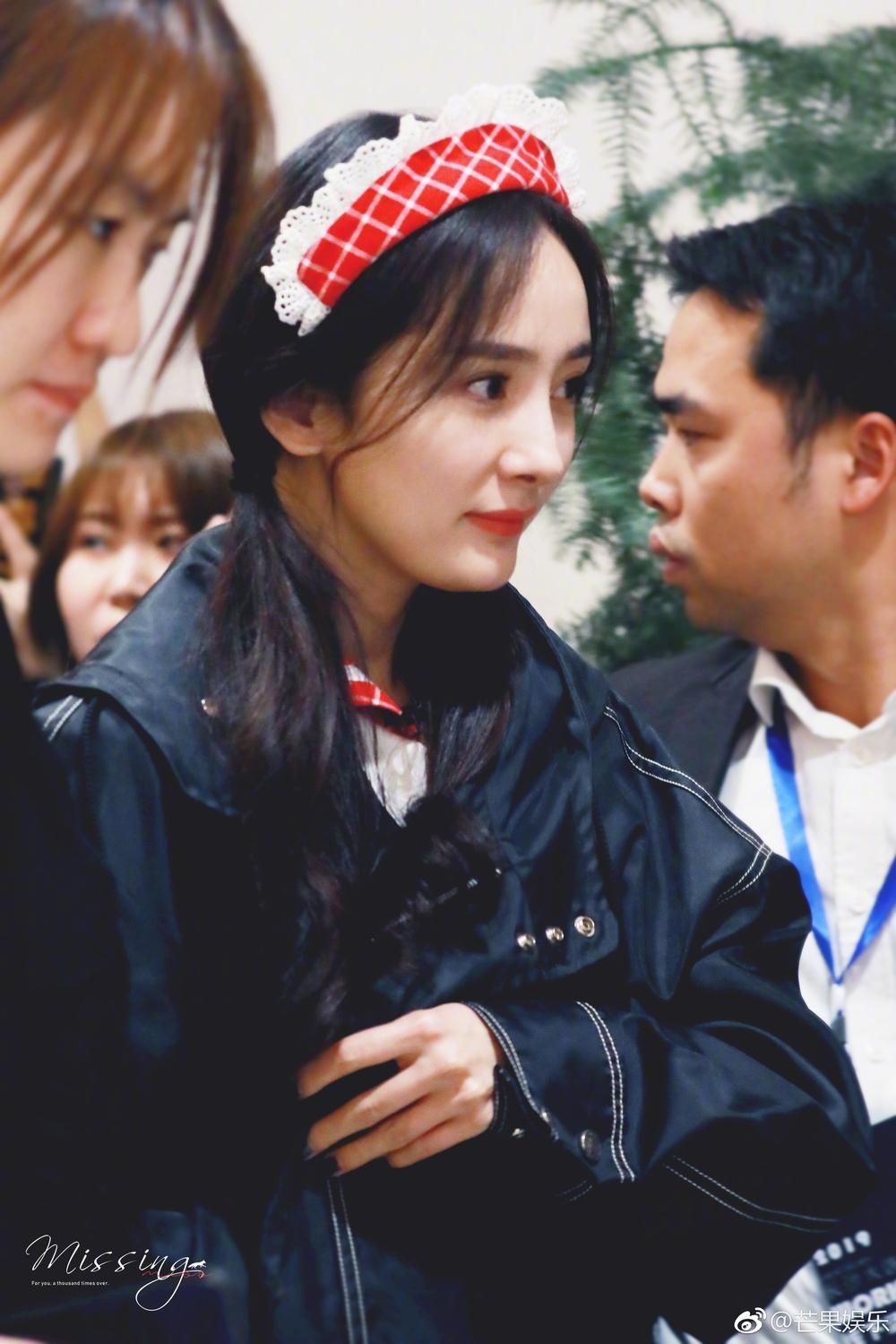 Từ ngày ly dị, Dương Mịch như trẻ thêm vài tuổi: Phụ nữ đẹp nhất khi không thuộc về ai - Ảnh 1