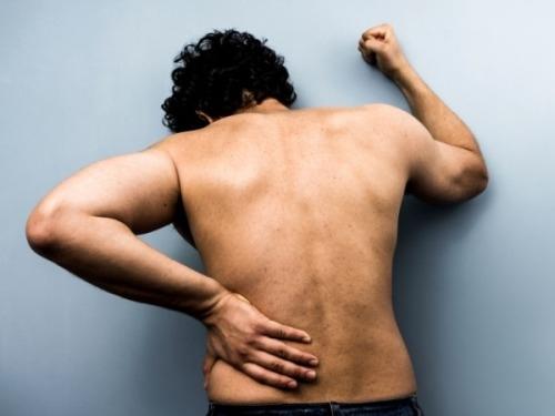 Thì ra đây là nguyên nhân gây đau lưng sau khi quan hệ, vợ chồng nên biết để tìm cách phòng tránh - Ảnh 1